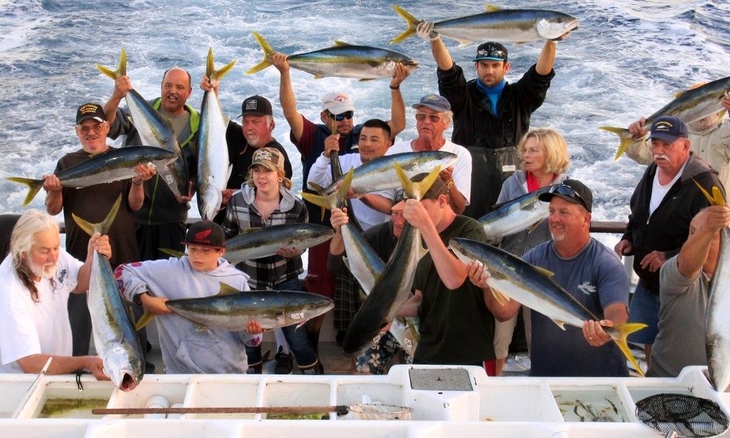 enjoy the 85ft fishing charter in san diego california