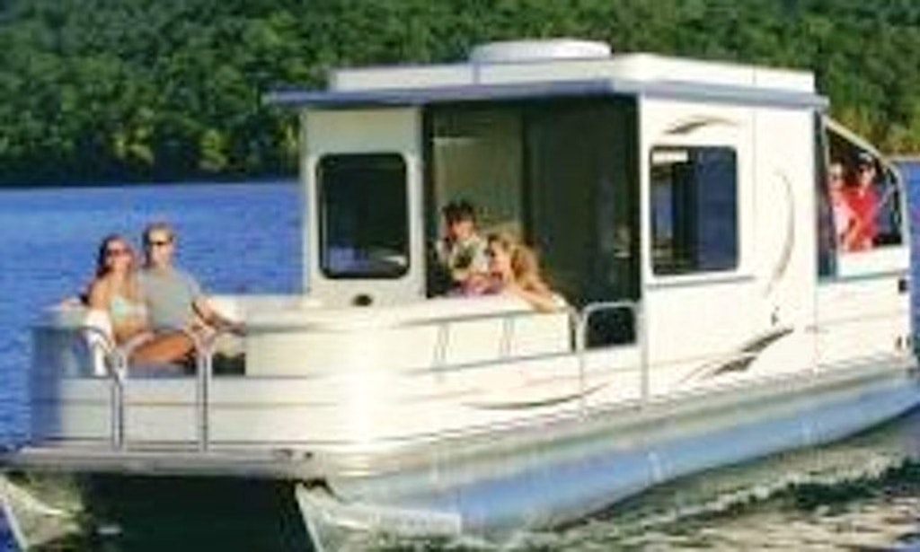 Charter 32 39 party cruiser mini houseboat in bellflower for Houseboats for rent in california