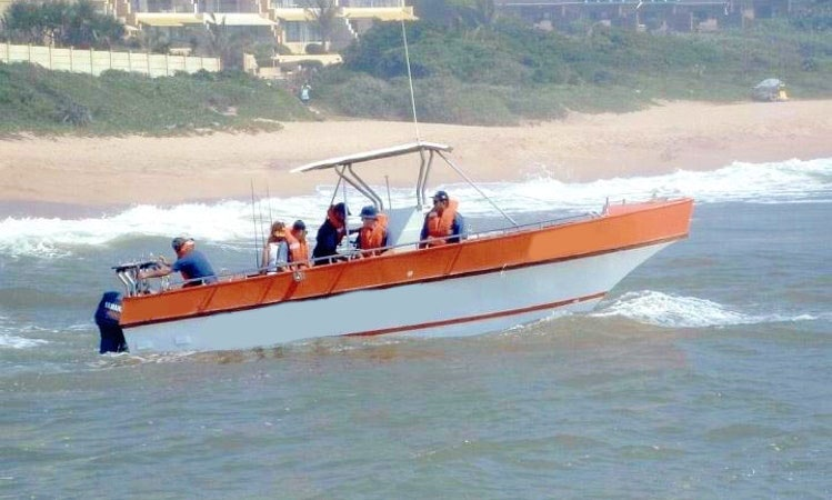 28' Butt Cat Center Console Fishing Charter in Margate