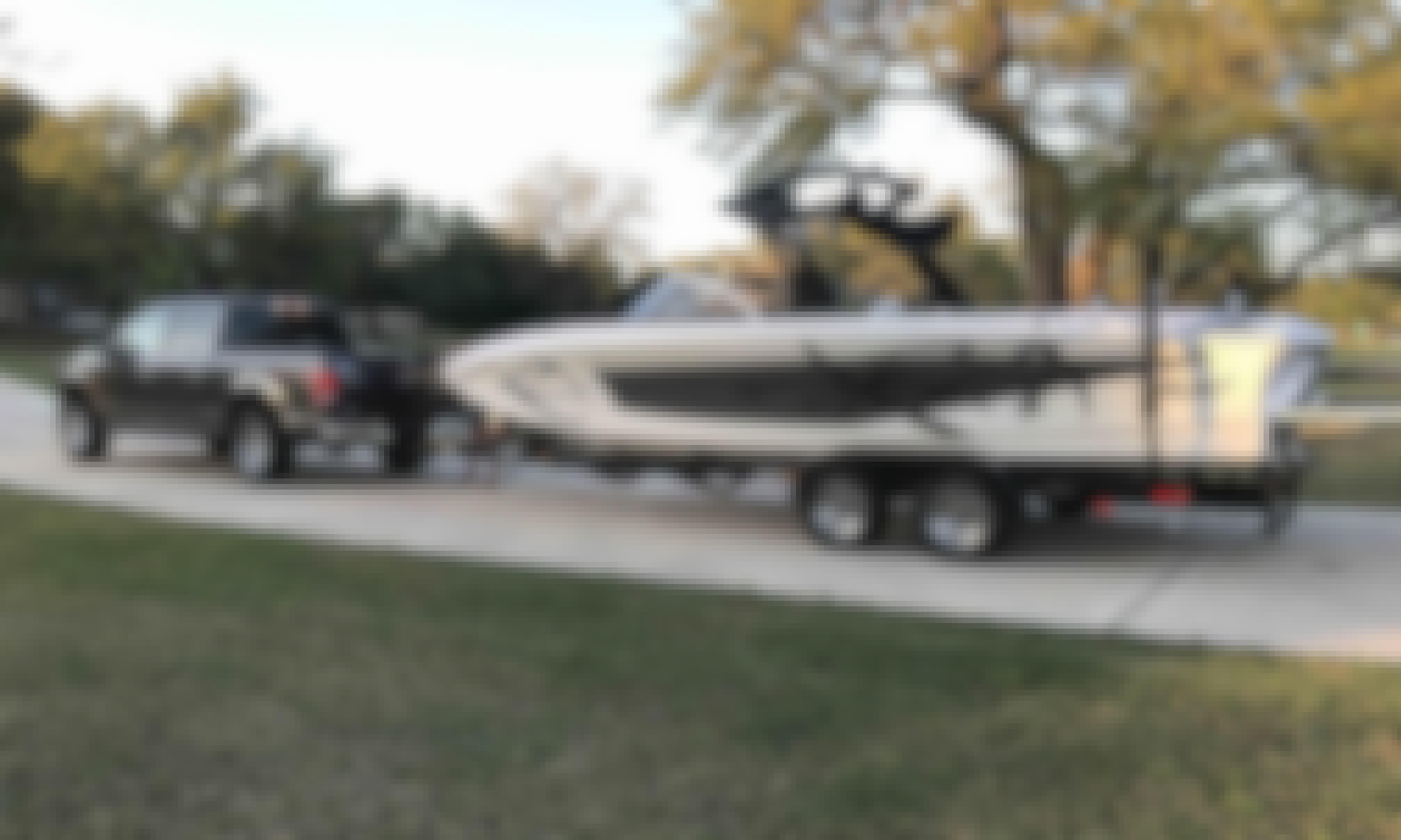 Rent 24' Tige Z24 Bowrider Rental In Lake Travis, Austin Texas.