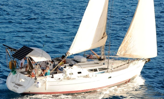 Charter A Cruising Monohull In Les Trois-Îlets, Martinique