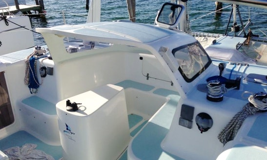 Nal Gone 32 Ft Cruising Catamaran Rental In Cancún