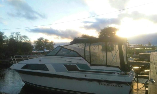 26ft Cabin Cruiser In Lake Simcoe
