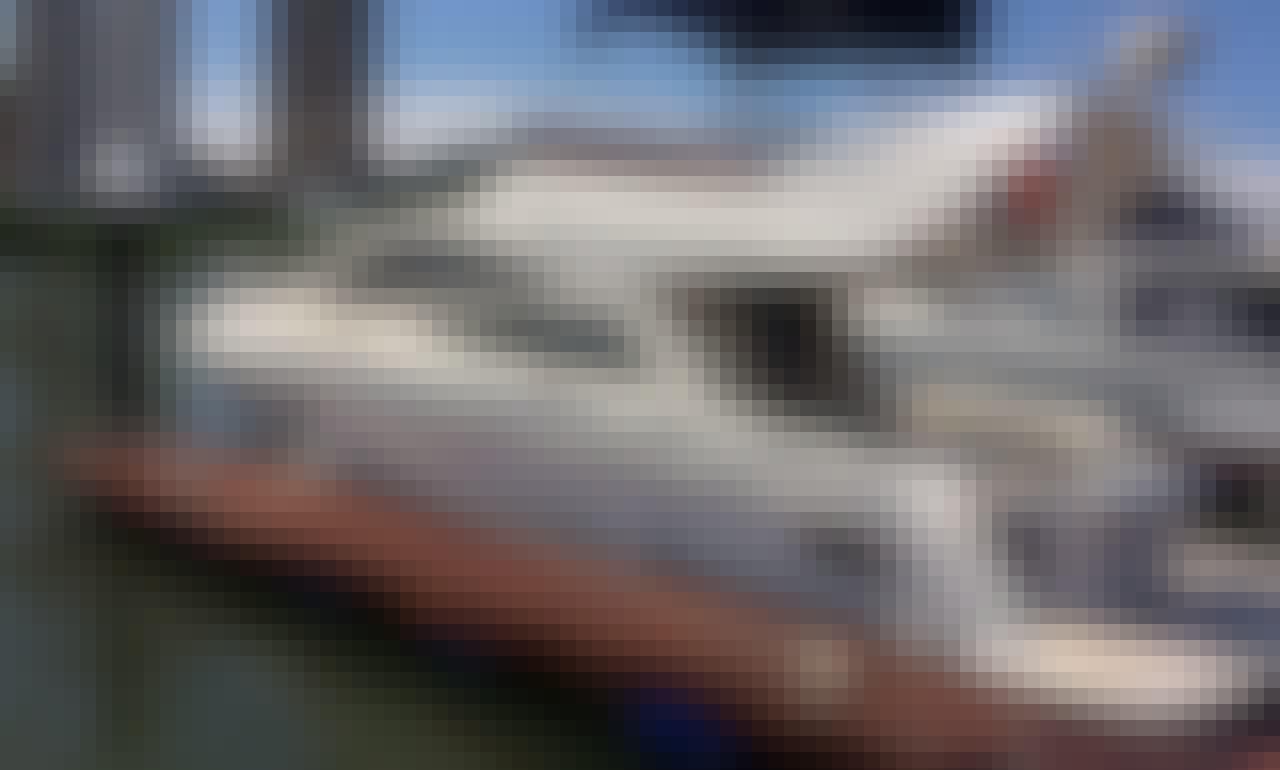 Charter a Motor Yacht in Balneário Camboriú, Brazil