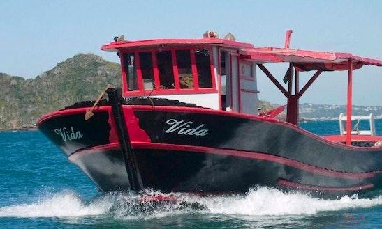 Charter Vida Trawler In Armação Dos Búzios, Brazil