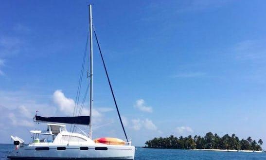 Charter 46' Leopard Cruising Catamaran In Belize City, Belize