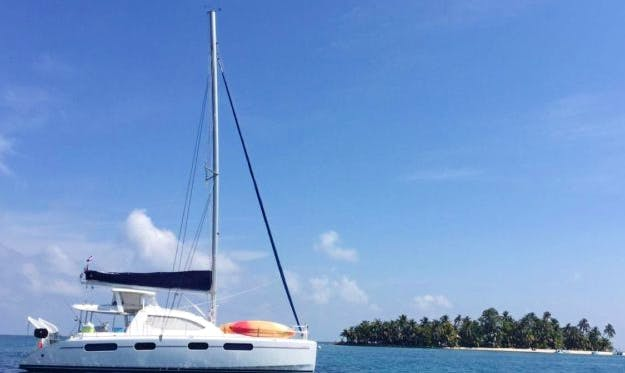 Charter 46' Leopard Cruising Catamaran in Belize City, Belize