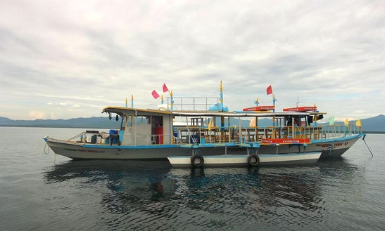 25 Person Puerto Princesa Island Hopping Boat Tour