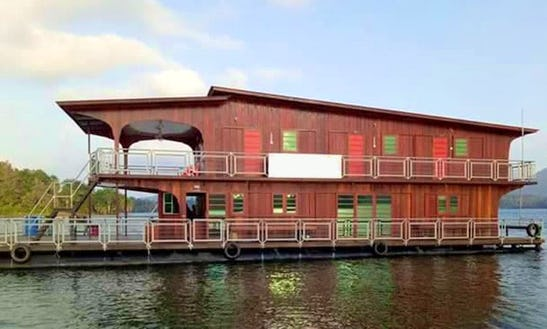 Houseboat Rental In Kuala Dungun