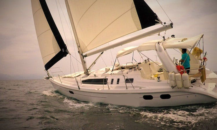 "Enjoy ""Obsession"". Hunter 38 Sailboat in Puerto Vallarta, Jalisco"