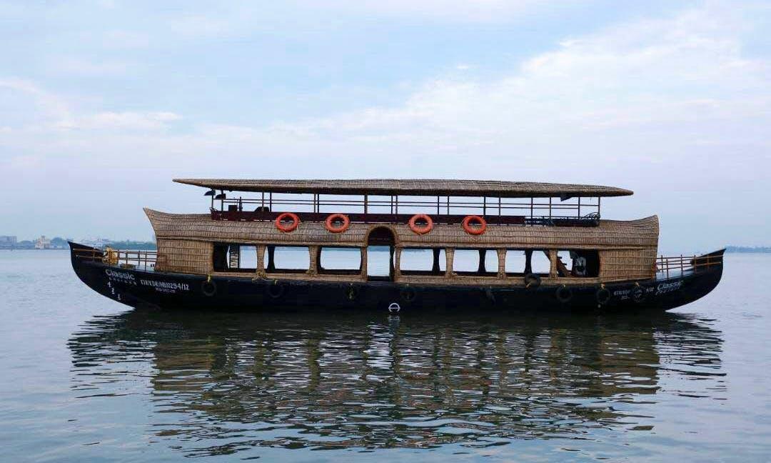 Traditional Boat Rental in Kochi, Kerala