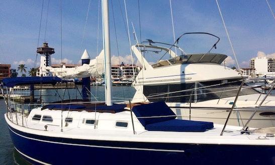 Sailing Charter On 35' Ericson Sloop In Puerto Vallarta, Mexico