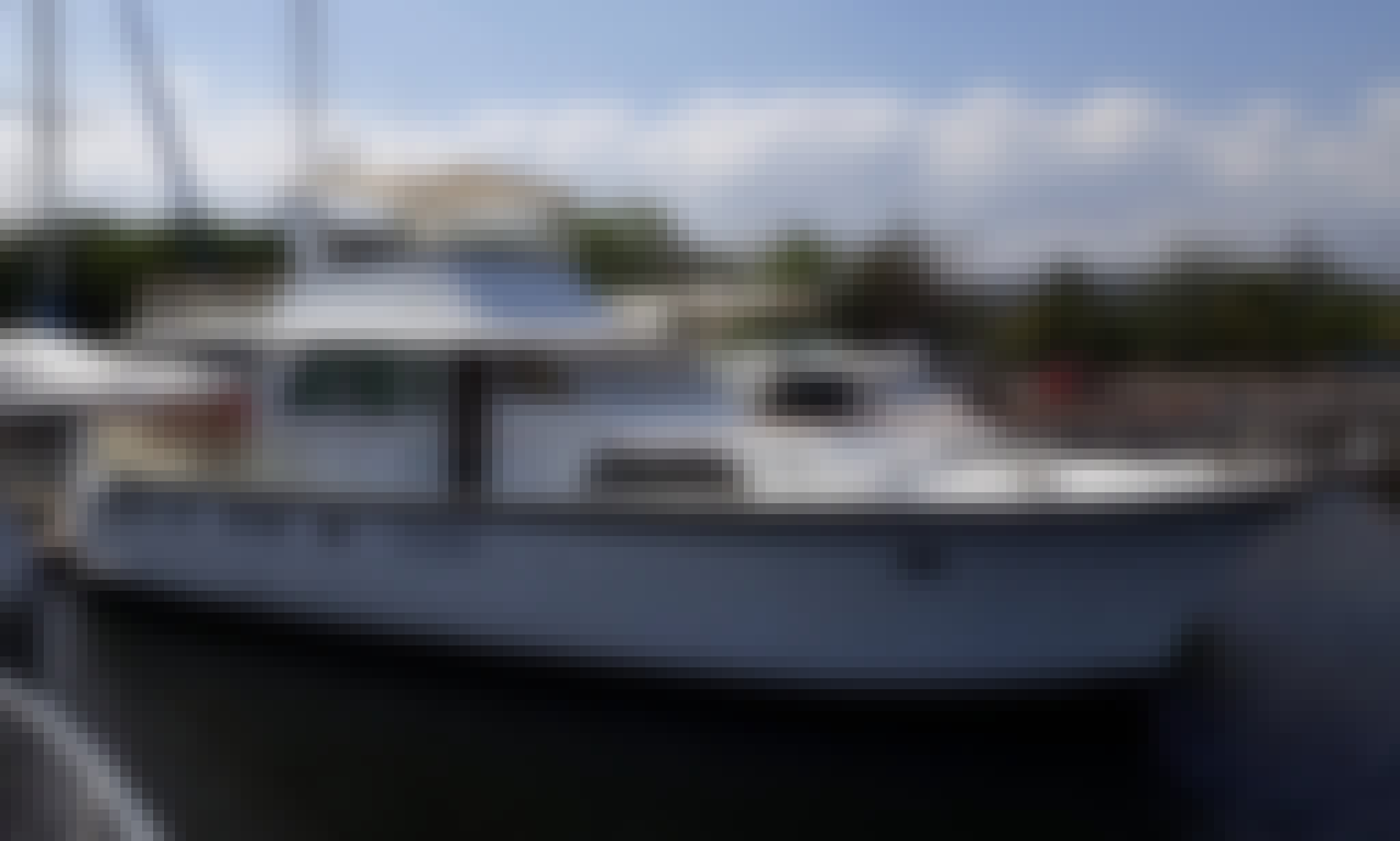 Charter a leasure Yacht in Olongapo, Philippines