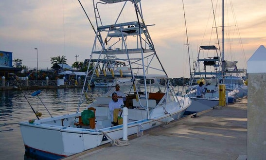 32' Sport Fishing Charter In Quepos