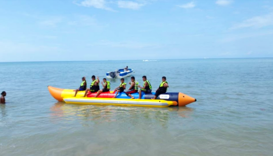 Enjoy Banana Boat Ride In Batu Ferringhi, Malaysia