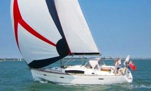 "Charter 40ft ""Indulgence"" Beneteau Oceanis Cruising Monohull In Gosport, England"