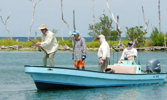 20' Mexican Center Console Flat Boat Fishing Charter In Placencia, Belize
