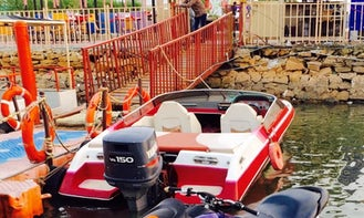 Amazing fast red speed boat for rent in Karachi, Pakistan