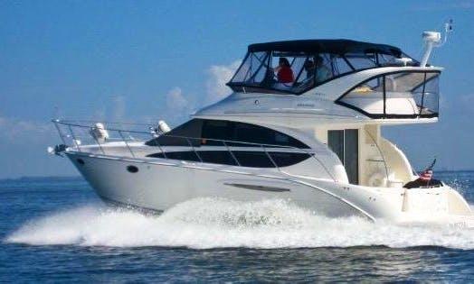 41' Luxury Meridian Yacht in Miami