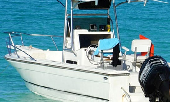 21' Center Console Rental In Nassau, Bahamas