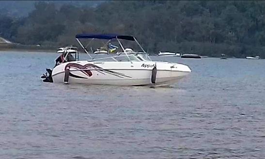 9 Passenger Charter A Bowrider In Duque De Caxias Rio De Janeiro