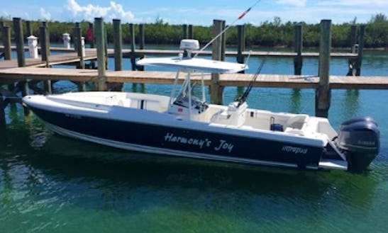 Go Fishing In A Center Console For 6 Persons In Nassau, Bahamas