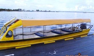 10-People Passenger Boat Rental in Iquitos, Peru