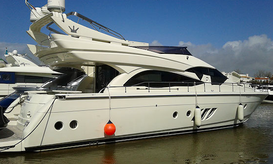 Charter 62ft Fly Bridge Power Mega Yacht In London, England