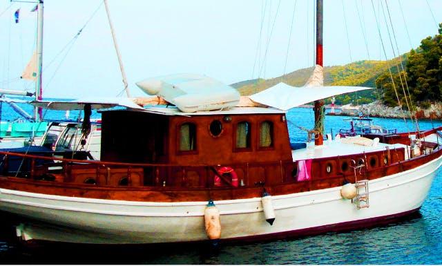 "53ft ""Kapetanissa Ageliki"" Sloop Rental In Volos, Greece"