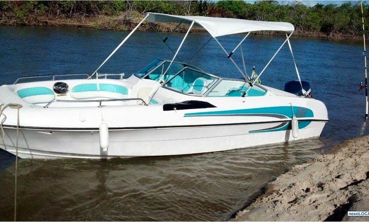 28' Speedboat Rental in Brazil