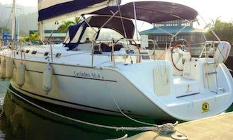Charter Beneteau Cyclades 50.4 in Angra dos Reis