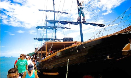 77' Pirate Boats Tour In Florianópolis