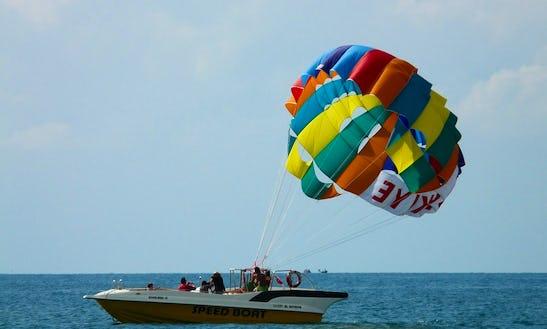 Enjoy Parasailing In Ponda, Goa