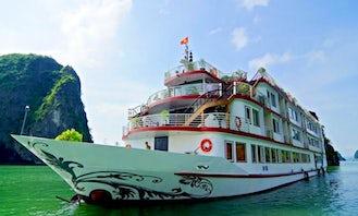 Huong Hai Sealife Cruise in Hanoi