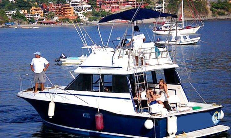 """33' Sport Fisherman """"Duquesa II"""" Fishing Charter in Ixtapa Zihuatanejo, Mexico"""