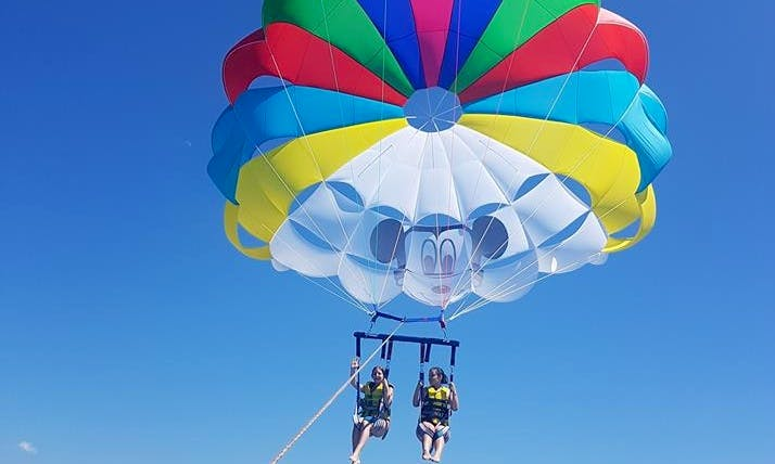 Have a wonderful Parasailing experience in Rethymno, Greece