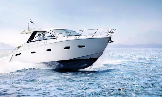 Charter 35' Sealine Sc35 Motor Yacht In Marbella, Spain