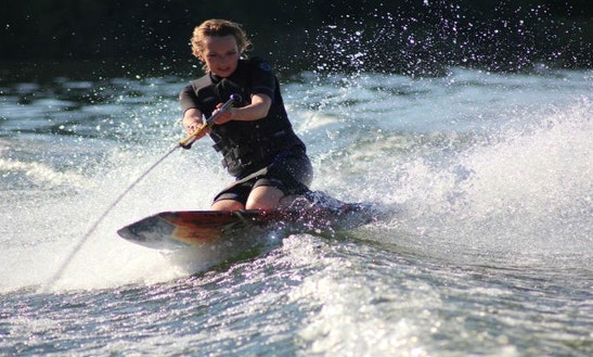 Enjoy Kneeboarding In Dubai, United Arab Emirates