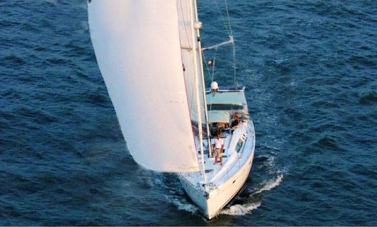 Charter 50ft Beneteau Cruising Monohull In Charleston South, Carolina