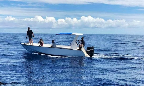Charter This 10 Persons Center Console In Antsiranana Province, Madagascar
