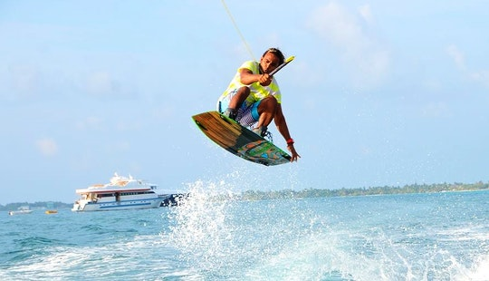 Enjoy Wakeboarding Lessons And Knee Boarding In Malé, Maldives