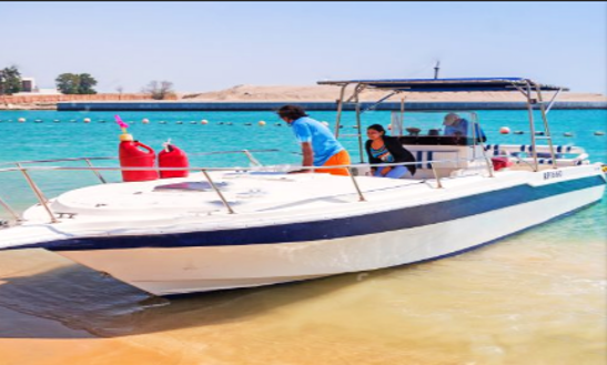 Go Fishing On 8 People Center Console In Dubai United Arab Emirates