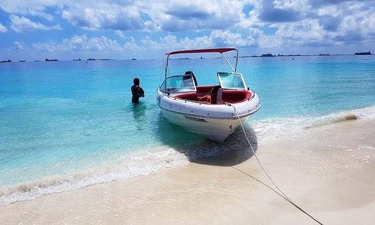 Explore Laccadive Sea With This Bowrider In Malé, Maldives