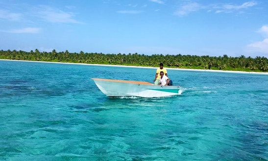 Charter A Dinghy In Fonadhoo, Maldives