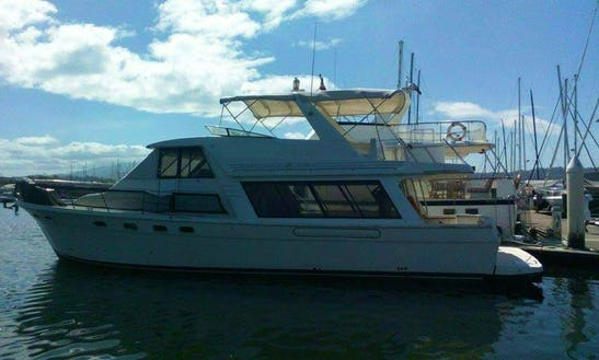 Motor Yacht In Olongapo