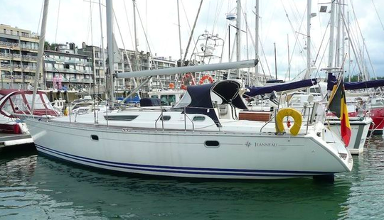Sailing Charter On 42ft