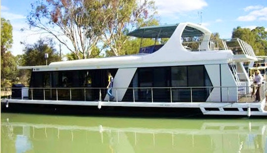 Full Air Conditioned Houseboat 10-12 Berth In Paringa, Australia
