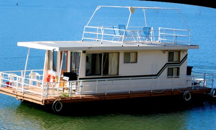 """Hire Houseboat """"Jedda"""" in Eildon, Victoria, Australia"""