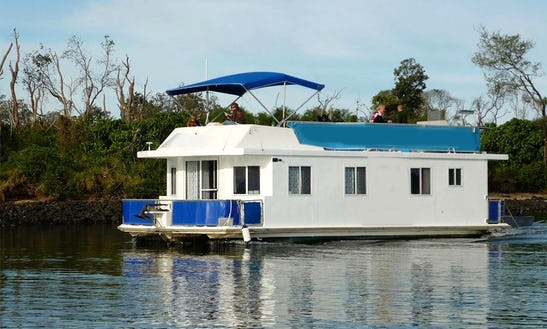 Experience A Houseboat Holiday In Tweed Heads