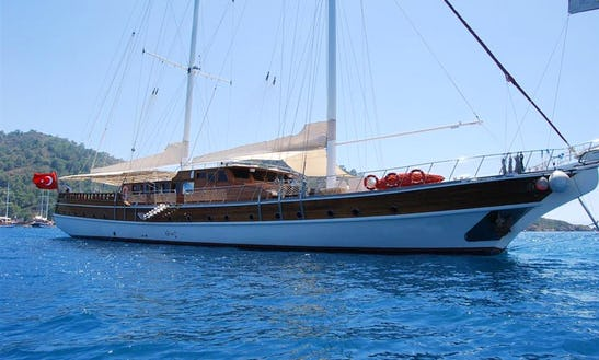 Socio Tours - Big Gulet 22 Passanger 10 Cabins 39 M Turkey